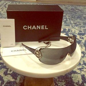 CHANEL CC Logo Shield Sunglasses